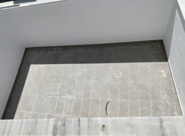 20. Frontal Patio